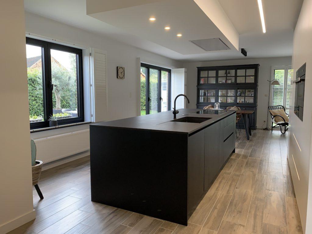Open keuken met kookeiland